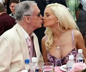 5 Benefits of Dating an Older Millionaire Man!